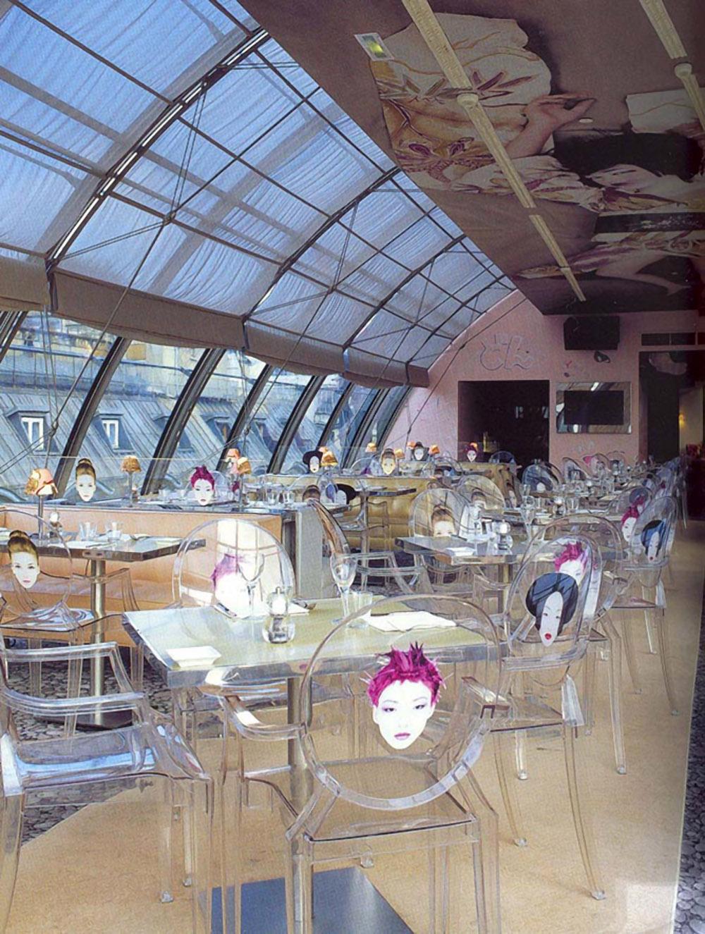 Римские шторы в ресторане